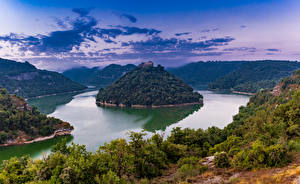 Fotos Spanien Fluss Insel Kloster Felsen Bäume Sant Pere de Casserres Catalonia Natur