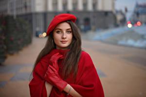 Hintergrundbilder Hand Handschuh Barett Starren Unscharfer Hintergrund Tanya Markova junge Frauen