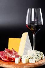 Bilder Wein Käse Schneidebrett Weinglas das Essen