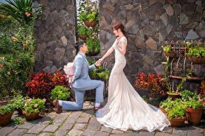Fotos Asiatisches Blumensträuße Bräute Bräutigam Kleid Hochzeit
