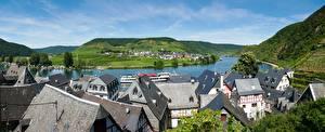 Bureaubladachtergronden Duitsland Huizen Panoramische Een dak Heuvels Beilstein, Cochem-Zell, Rhineland-Palatinate een stad