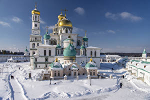 Pictures Russia Temple Monastery Church Winter Snow New Jerusalem Monastery Istra, Moscow region Cities