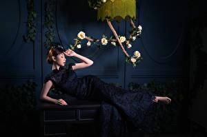 Photo Asiatic Rose Lying down Dress young woman