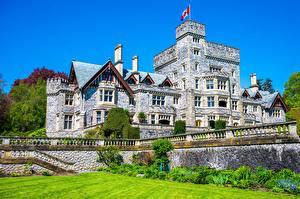 Fotos & Bilder Kanada Burg Turm Flagge Hatley Castle Städte