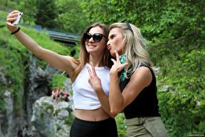 Desktop wallpapers Cara Mell Fingers Gestures Selfie Blonde girl 2 Smartphones Glasses Stefani young woman