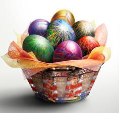 Fotos Ostern Grauer Hintergrund Weidenkorb Eier Design Lebensmittel