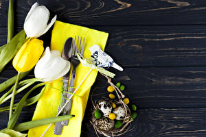 Wallpaper Easter Tulip Knife Wood planks Eggs Fork flower Food