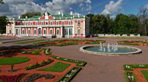 Fonds d'écran Estonie Tallinn Bâtiment Fontaine Aménagement paysager Musée Kadriorg Art Museum Villes