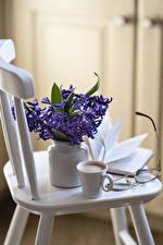 Bilder Stillleben Hyazinthen Kaffee Cappuccino Tasse Brille Blumen