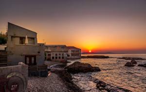 Hintergrundbilder Morgendämmerung und Sonnenuntergang Küste Haus Wasserwelle Felsen Sonne Chania Crete