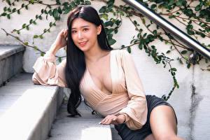 Bakgrundsbilder på skrivbordet Asiatisk Blus Dekolletage Ser Unga_kvinnor