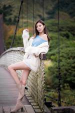 Fotos & Bilder Asiatische Pose Bein Blick Mädchens
