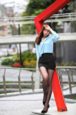 Bilder Asiatische Posiert Rock Bluse Bein junge Frauen