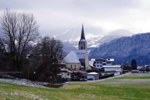 Tapety na pulpit Austria Góry Kościół Budynek Alpy Mgła Puch bei Hellein przyroda