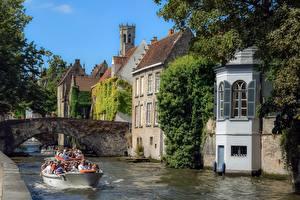 Bilder Belgien Brügge Brücken Boot Tourismus Tourist Kanal Städte