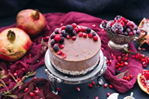 Photo Torte Berry Pomegranate