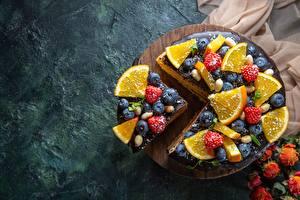 Fotos & Bilder Torte Heidelbeeren Himbeeren Orange Frucht Stück Lebensmittel