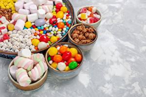 Desktop hintergrundbilder Dragee Bonbon Süßware Marshmallow Lebensmittel
