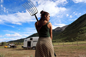 Hintergrundbilder Elena Generi Pose Hinten pitchfork junge Frauen