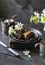 Fotos & Bilder Blühende Bäume Schokolade Dessert Bretter Ast Lebensmittel