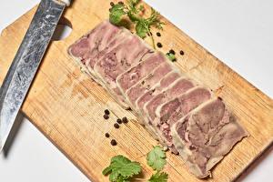 Fotos & Bilder Fleischwaren Messer Schwarzer Pfeffer Schneidebrett Geschnitten Lebensmittel