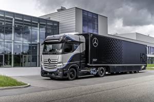 Bureaubladachtergronden Mercedes-Benz Vrachtwagens Zilveren kleur GenH2 Truck, 2021 Auto