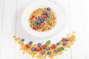 Pictures Oatmeal Blueberries Strawberry Boards Plate Grain Corn flakes