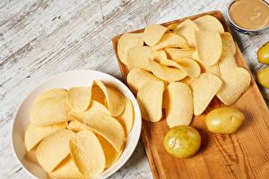 Hintergrundbilder Kartoffel Bretter Schneidebrett Chips
