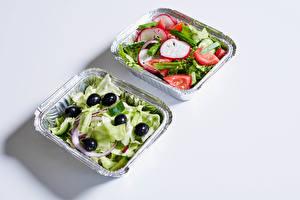 Fotos & Bilder Salat Gemüse Oliven Grauer Hintergrund Lebensmittel