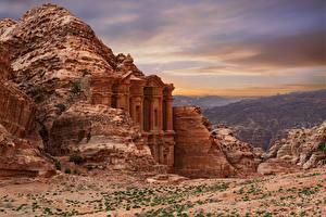 Image Temple Mountain Old Crag Ad-Deir, Petra, Siq Canyon, Jordan Nature