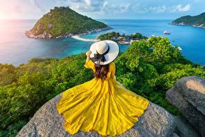 Sfondi desktop Thailandia Mare Pietre Isola Paesaggio Abito Cappello Natura Ragazze
