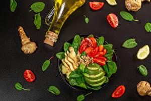 Fotos & Bilder Gemüse Ingwer Tomate Avocado Grauer Hintergrund Flasche Öle Lebensmittel