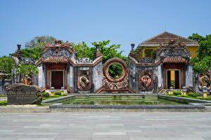 Hintergrundbilder Vietnam Tempel Teich Ba Mu Temple Gates in Hoi An