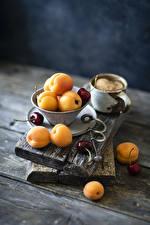Photo Apricot Cherry Wood planks Mug