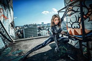 Bilder Asiaten Posiert Latex Starren spider woman Mädchens