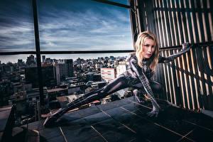 Fotos Asiaten Pose Latex Blick spider woman Mädchens