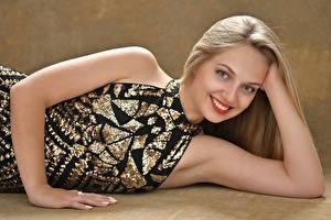Wallpapers Blonde girl Smile Glance Hands Teeth Girls