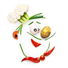 Fondos de Pantalla Creativo Verdura Patata Pimienta de chile Tomate Col El fondo blanco Cocinero Alimentos imágenes