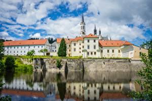Hintergrundbilder Tschechische Republik Burg Spiegelt Telc Castle, Jihlava district, Vysocina region