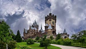 Bakgrunnsbilder Tyskland Borg Tårn Skyer Schloss Drachenburg en by