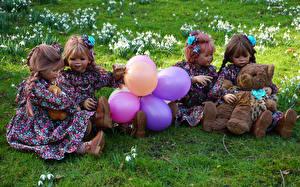 Bakgrunnsbilder Tyskland Parker Teddybjørn Dukke Jenter Ballonger Kjole Grugapark Essen Natur