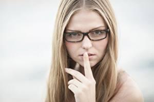 Fotos & Bilder Gestik Bokeh Dunkelbraun Blick Brille Hand Mädchens