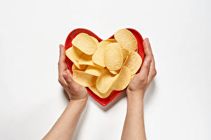 Hintergrundbilder Hand Herz Kartoffelchips Grauer Hintergrund das Essen