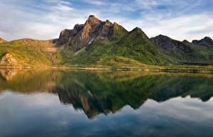 Bilder Norwegen Berg Lofoten Spiegelt Fjord Stauren