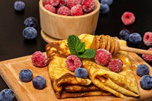 Fondos de Pantalla Tortita Frambuesas Arándano Alimentos imágenes