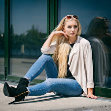 Hintergrundbilder Blond Mädchen Sitzen Jeans Blick Soraya, Miss Germany 2017 Mädchens