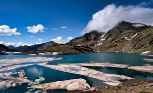 Bakgrunnsbilder Spania Fjell Innsjø Skyer Lake Baiau Natur