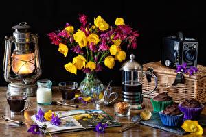 Fondos de Pantalla Bodegón Helleborus Lámpara de queroseno Café Cupcake Jarrón Vaso Pétalo Cámara fotográfica Corydalis Alimentos Flores imágenes