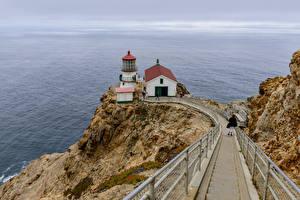Tapety na pulpit Stany zjednoczone Wybrzeże Latarnie morskie Skała Kalifornia Point Reyes lighthouse przyroda