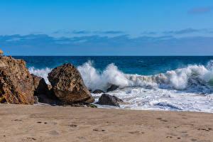 Tapety na pulpit USA Wybrzeże Fale Kamień Kalifornia Point Dume in Malibu Natura
